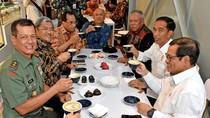 Usai Resmikan Tol Soroja, Jokowi Ajak Menteri Ngopi di Kafe