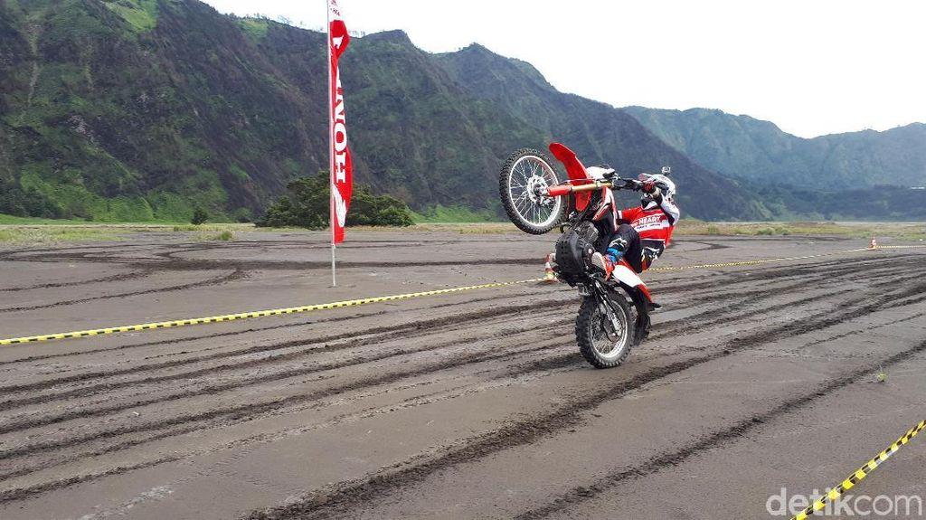 Test Ride Honda CRF150L di Lautan Pasir Gunung Bromo