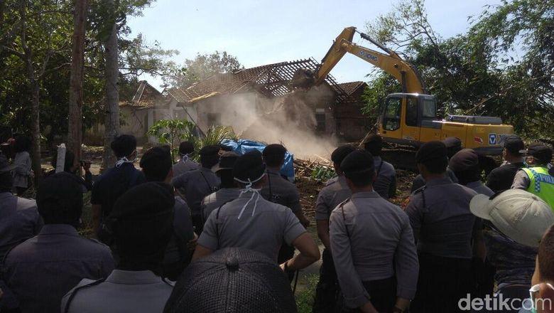 Rumah Warga Terdampak Proyek Bandara Kulon Progo Dibongkar Dipaksa