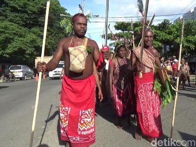 Peringati Noken sebagai Warisan Dunia, Sorong Adakan Pawai Budaya