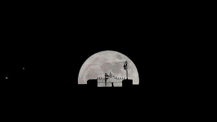 Gerhana Bulan Langka