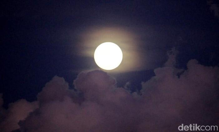 Ilustrasi Super Moon (Foto: Wisma Putra/detikcom)