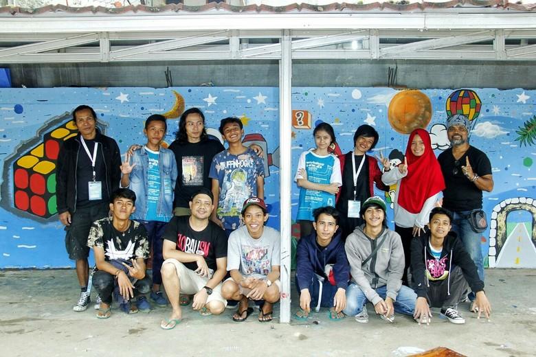 37 Seniman Workshop Seni Media Bikin Mural di LBH Jakarta dan Sekolah Dasar