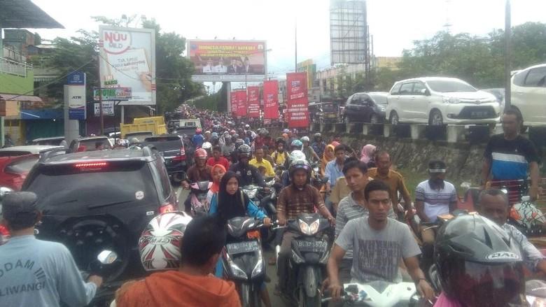 Banjir Rendam Jalanan, Aktivitas Warga Aceh Utara Lumpuh
