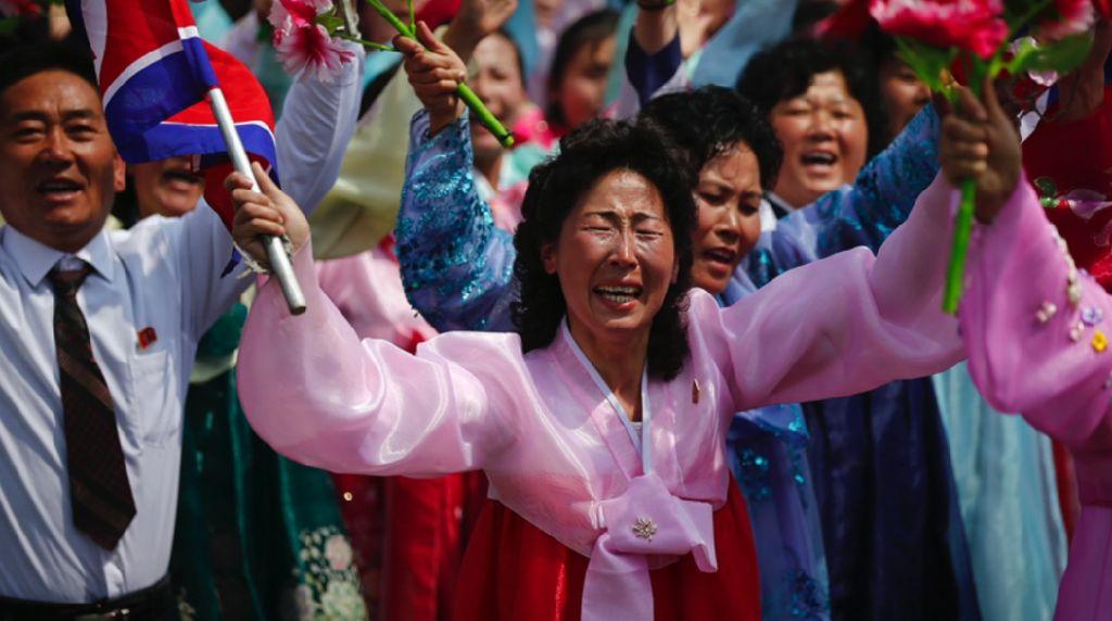 Begini Parade Pemujaan Kim Jong Un