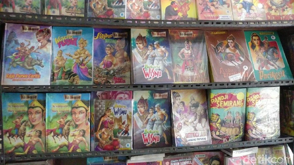 Nostalgia Baca Komik Jadul di Toko Komik Maranatha Bandung