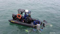 Polda Jabar Gelar Simulasi Pengamanan Pilkada di Perairan Cirebon