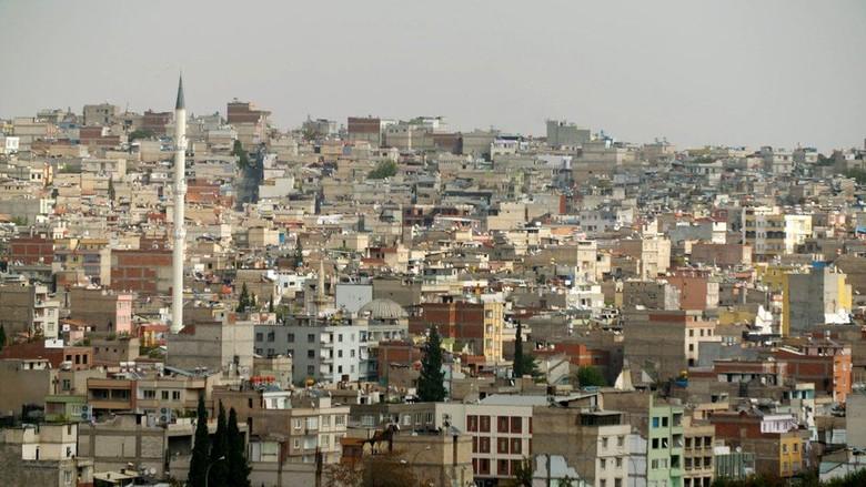 Investigasi Dana Bantuan Inggris Dibelokkan - London InvestigasiBBC mengungkap bahwa dana bantuan Inggris ke kawasan yang dikuasai pemberontak Suriah telah dibelokkan sehingga kelompok ekstrem