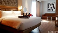 Hotel Nyaman di Cikarang yang Bertabur Ornamen Anggrek