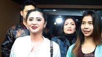 Masih Ribut-ribut Dewi Persik Vs Petugas TransJ