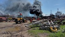 Kapal Terbakar di Galangan di Serang, Penyebab Belum Diketahui
