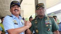 Jenderal Gatot Hadiri Pelantikan Marsekal Hadi Jadi Panglima