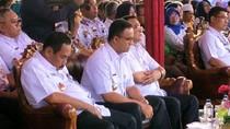 Anas Effendi Ketiduran di Samping Anies Saat Acara Hari Disabilitas
