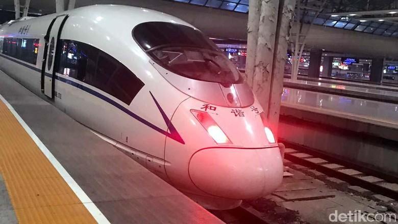 Naik Kereta Cepat di China, Jarak 300 Km Ditempuh 2,5 Jam