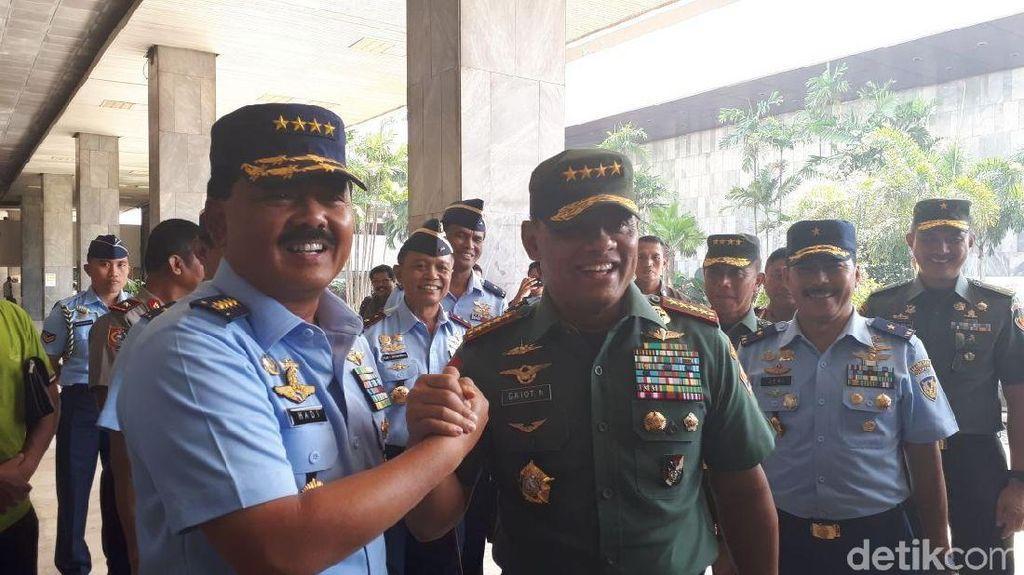 Tradisi Baru dari Jenderal Gatot: Panglima Antar Calon Penggantinya