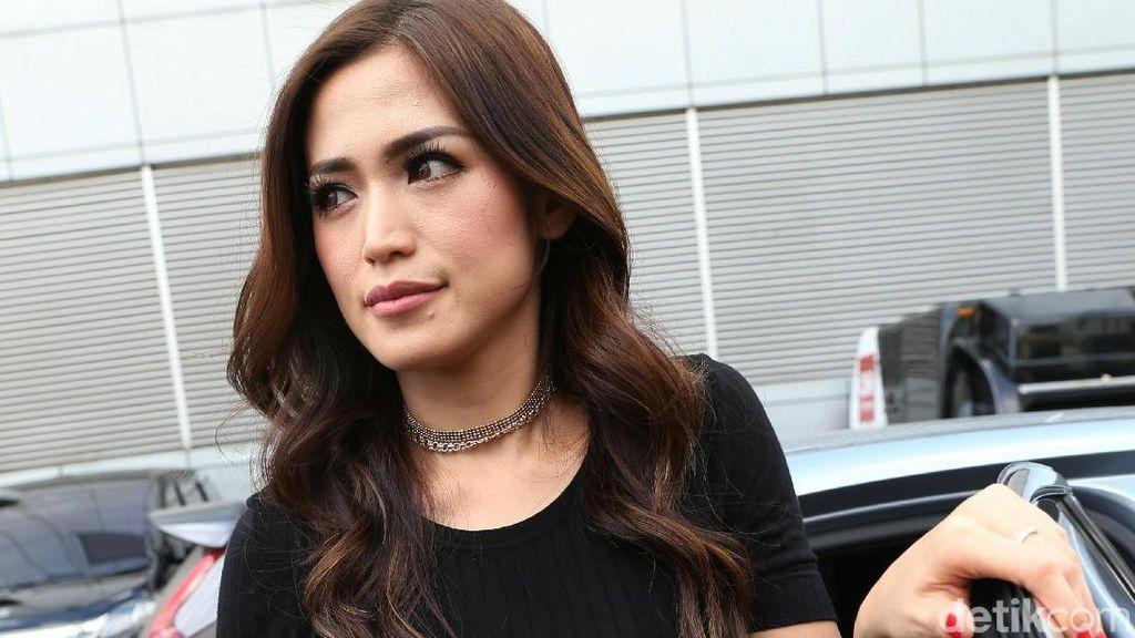 Jessica Iskandar Kenalkan Bisnis Pada Anak