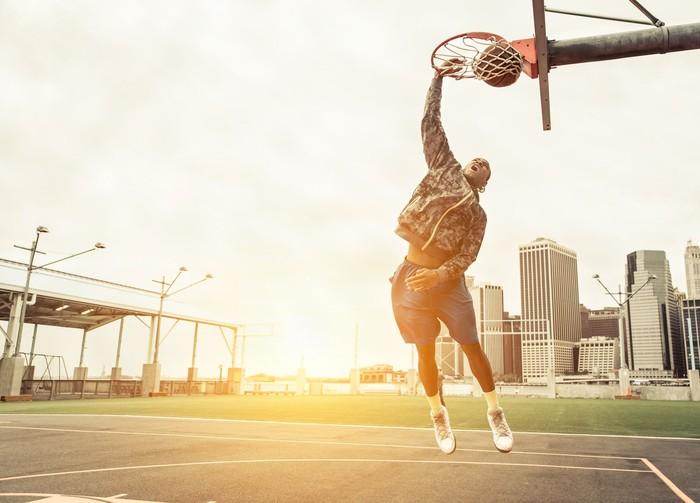 Melompat membuat tulang-tulang Anda menjadi lebih kuat, dan ketika Anda melakukan olahraga yang satu ini Anda pasti akan banyak melakukan lonjatan bukan? (Foto: Ilustrasi/thinkstock)