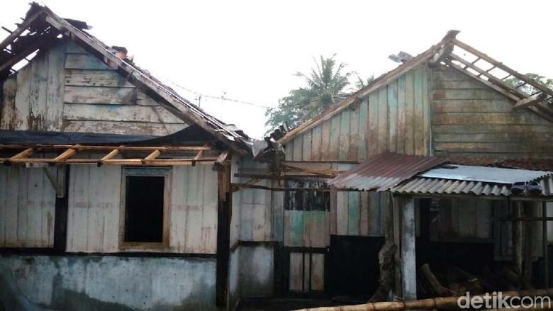 Angin Puting Beliung di Wonosobo Rusak Puluhan Rumah Warga