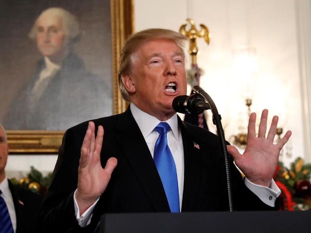 Media Ternama AS Lontarkan Hinaan Keras pada Trump