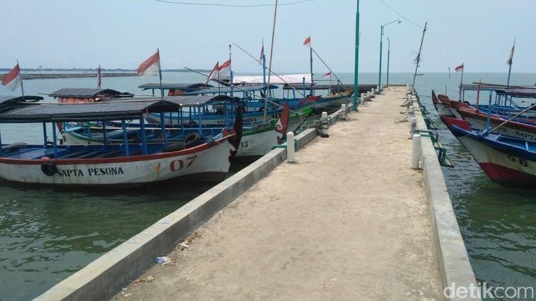 Cuaca Buruk, Pelayanan Wisata Ke Pulau Panjang Jepara Masih Ditutup