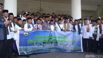 Gubernur Anies Lepas 147 Marbut Se-Jakarta Pergi Umrah