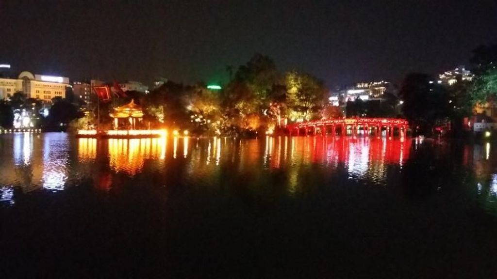 Mau Jalan-jalan Malam di Hanoi, Simak Dulu Ulasannya