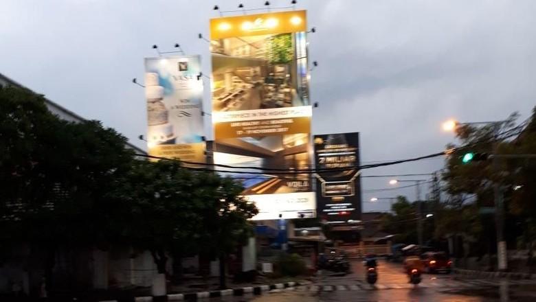 Demi Estetika, DPRD Dorong Pemkot Surabaya Atur Jarak Antar Reklame
