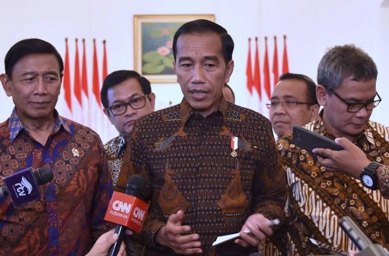 Jokowi Optimistis Semua Anggota OKI - Jakarta Jokowi mengaku menelepon sejumlah pemimpin negara muslim untuk memastikan pembahasan isu Yerusalem di forum Organisasi Kerja Sama