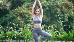 Untuk menjaga penampilan tubuhnya artis Tyas Mirasih melakukan olahraga beban. Ia pun beberapa kali menunjukkan foto momen saat dirinya sedang olahraga.