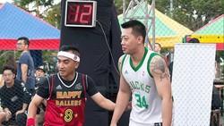 Bermain basket memberikan manfaat kesehatan pada tubuh salah satunya menjaga kelincahan. Nah, 10 artis ini ternyata kepincut lho sama olahraga yang satu ini.