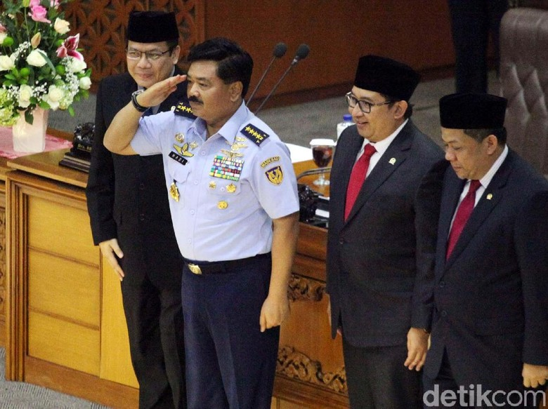 DPR Kirim Surat Persetujuan Marsekal - Jakarta DPR selesai menggelar rapat paripurna persetujuan Marsekal Hadi Tjahjanto sebagai Panglima TNI yang DPR segera mengirim surat