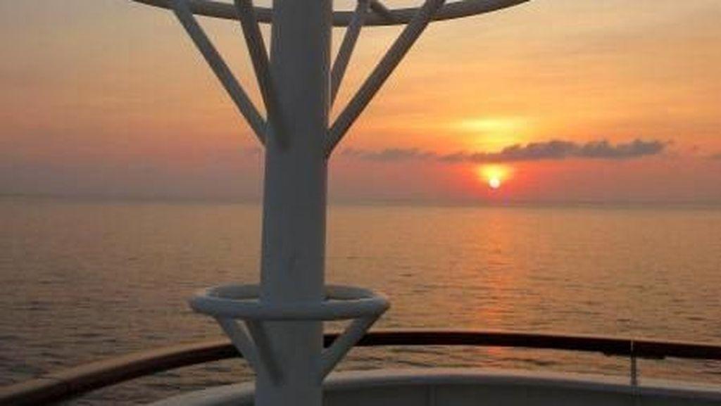 Secantik Ini, Sunset dari Atas Kapal Pesiar