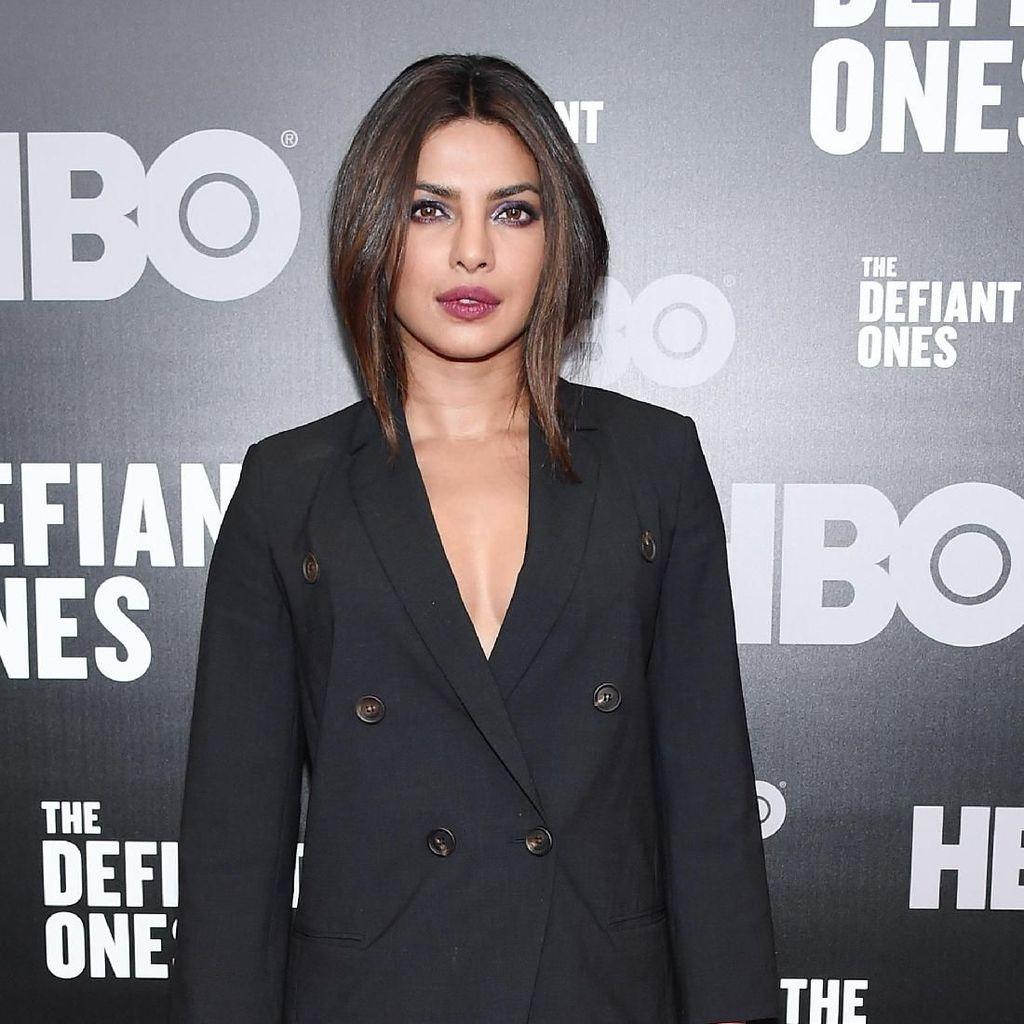 Priyanka Chopra ke London, Ada Hubungan dengan Pernikahan Meghan?