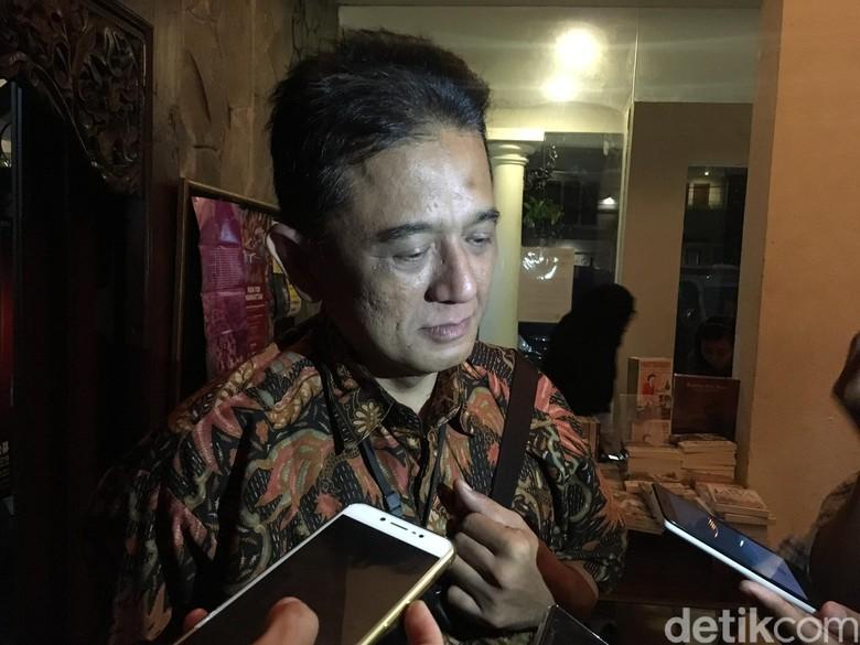 Hari Anti Korupsi Ini Pesan - Jakarta Mantan Wakil Ketua Komisi Pemberantasan Korupsi Chandra Hamzah menyampaikan pesan secara singkat untuk Hari Antikorupsi Sabtu Dia