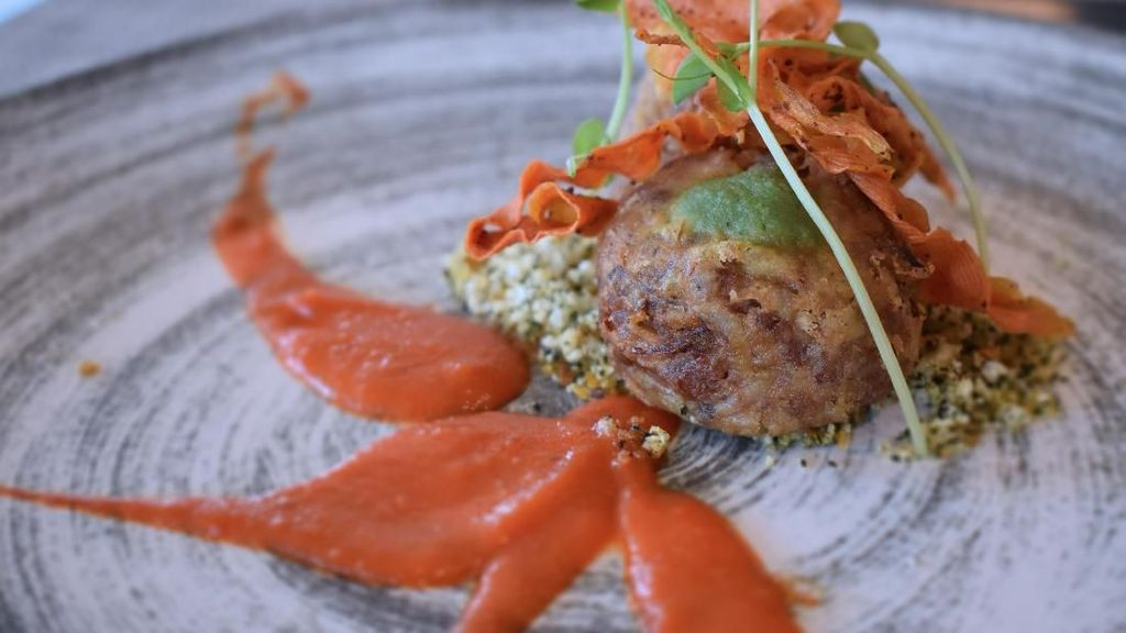Ada Rendang Arancini dan Lobster Spring Roll Nikmat di Resto Ini