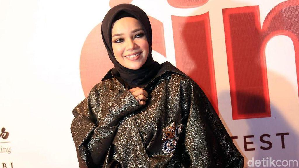 Di Tahun 2018, Dewi Sandra Berencana Sekolah Lagi