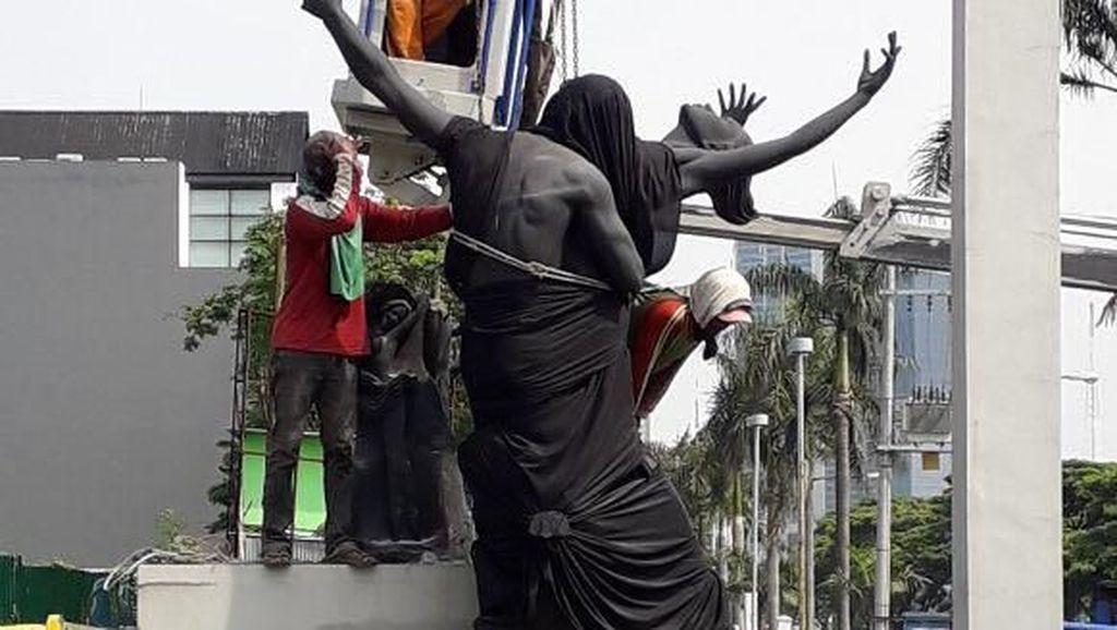 Sempat Didemo, Patung Penari Balet di Citraland Surabaya Diturunkan