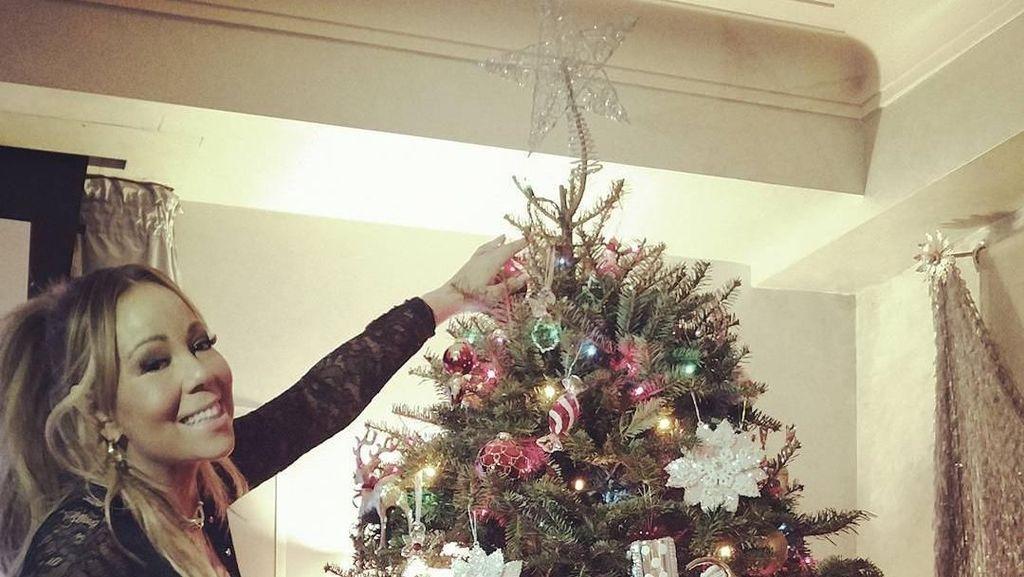 Foto: Adu Dekorasi Pohon Natal Selebriti Dunia, Mana Favoritmu?