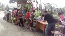 Warga Kabupaten Semarang Antri Gas Elpiji Operasi Pasar