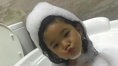 Tingkah Lucu Bilqis, Putri Semata Wayang Ayu Ting Ting