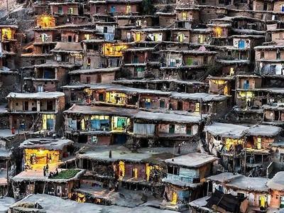 Iran Punya Desa yang Dibangun di Atap, Seperti Apa Ya?