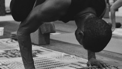 Di usianya yang hampir memasuki kepala empat, Usher terlihat semakin bugar di atas panggung. Yuk tengok rahasia kebugaran tubuhnya.