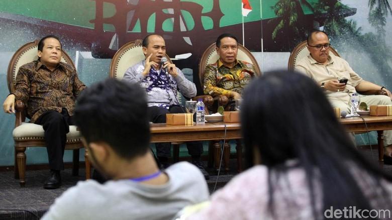 Diskusi Posisi Ketua DPR: Antara Politik dan Hukum