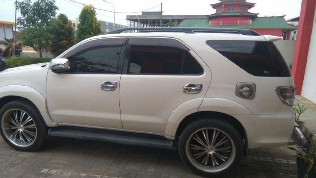 Pecahkan Kaca Mobil, Pencuri di Batam Bawa Kabur Rp 300 Juta