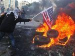 Kecam Trump, Pendemo Bentrok dengan Tentara di Libanon