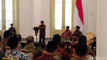 BJ Habibie Sampaikan Ekonomi Pasar Pancasila, Jokowi Antusias
