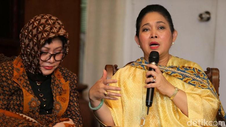 Titiek Siap Jadi Caketum Cendana - Jakarta pengamat politik memprediksi Titiek Soeharto akan mengalami kesulitan untuk bersaing dalam kursi Ketua Umum Meski berlatar belakang