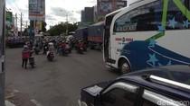 Ada Demo, Arus Lalin di Jalan Solo Dekat Bandara Adisutjipto Macet
