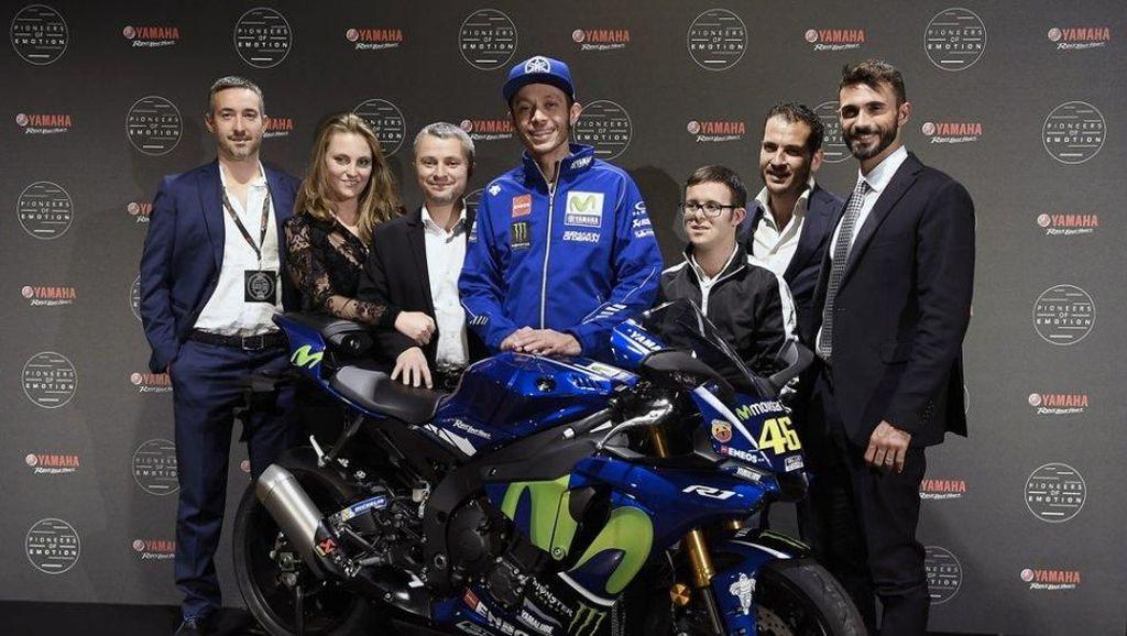 Yamaha dan Rossi Lelang R1 untuk Kegiatan Sosial