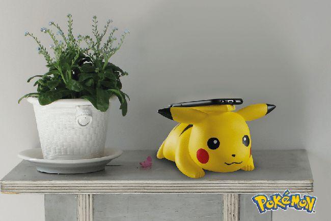 Lucu! Pikachu Bisa Charge iPhone X Secara Nirkabel